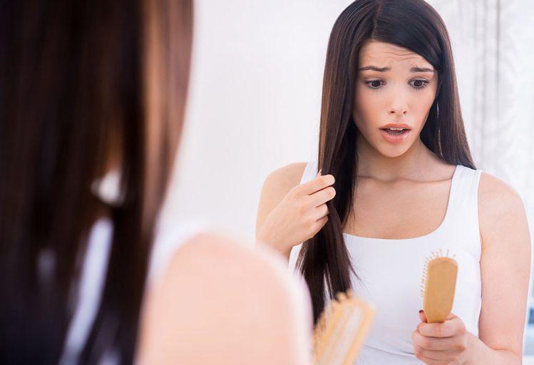 गर्भावस्था-में-बालों-का-झड़ना