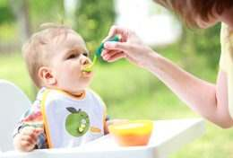 बच्चे-को-आहार